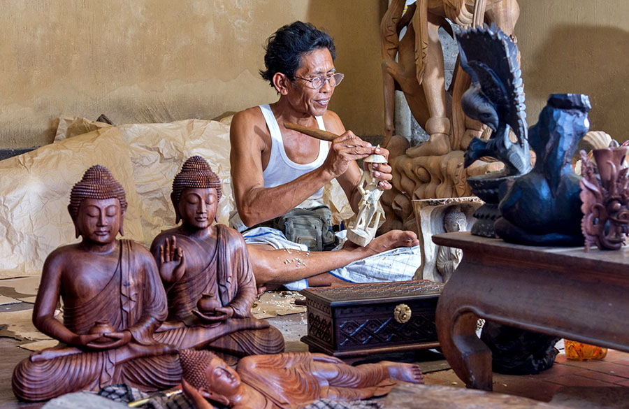 Bali Safest Driver Mas Wood Carving Village