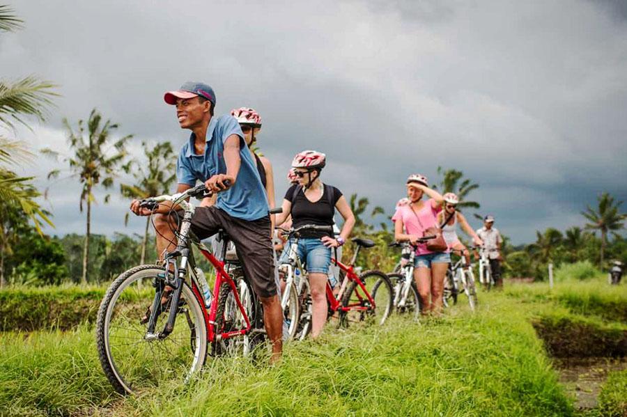 Bali Cycling Tour of Bali Safest Driver