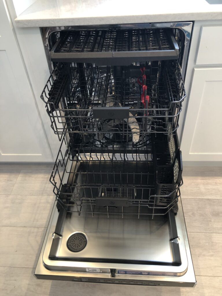 Beach House Retreats Dishwasher