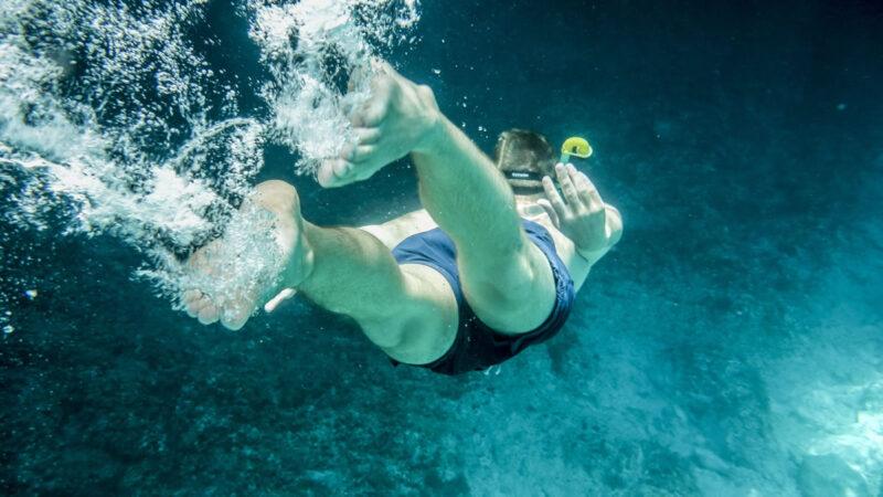 Mele Makani snorkeling