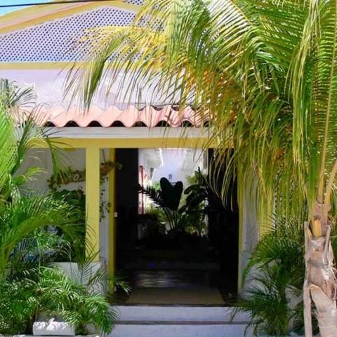 Posada en los Roques - Posada la Macondo - Fachada de la posada Macondo en los Roques - Nbg Tours Agencia de Viajes en Caracas 2