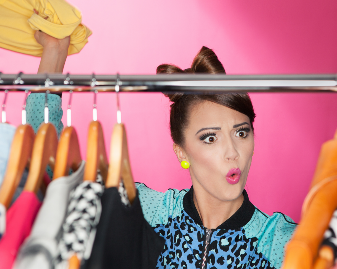 3 EASY WAYS TO ORGANIZE YOUR CLOSET