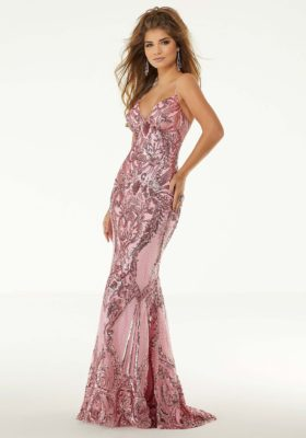 sequin fitted prom dress in pink