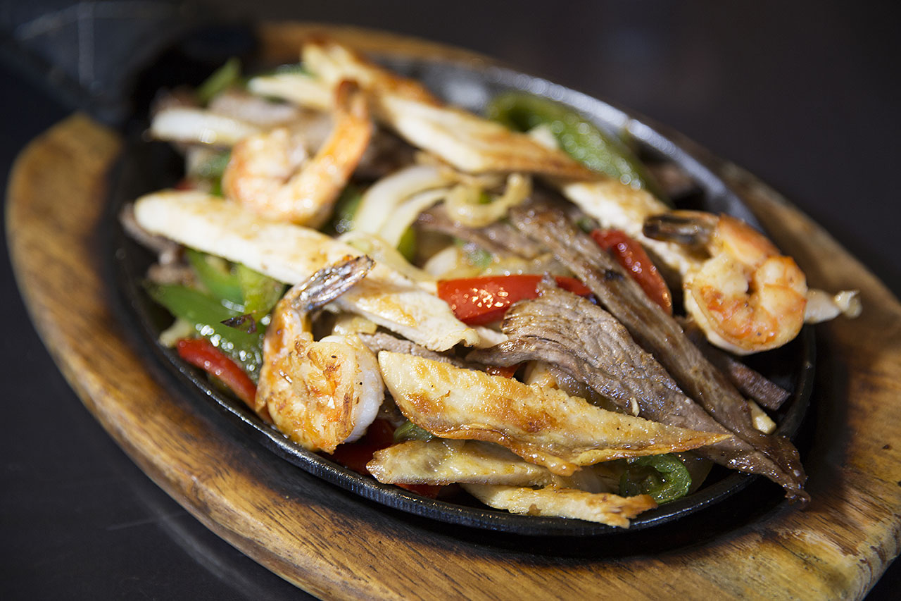 Fajitas at Plaza Tapatia
