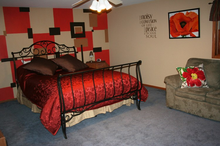 Poppy room setup, Valley Springs Farm, Reedsburg, WI