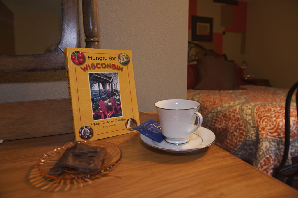 Poppy room table with tea