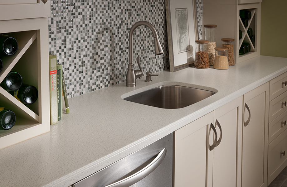 solid surface 758_biancomineral_kitchen-920x600