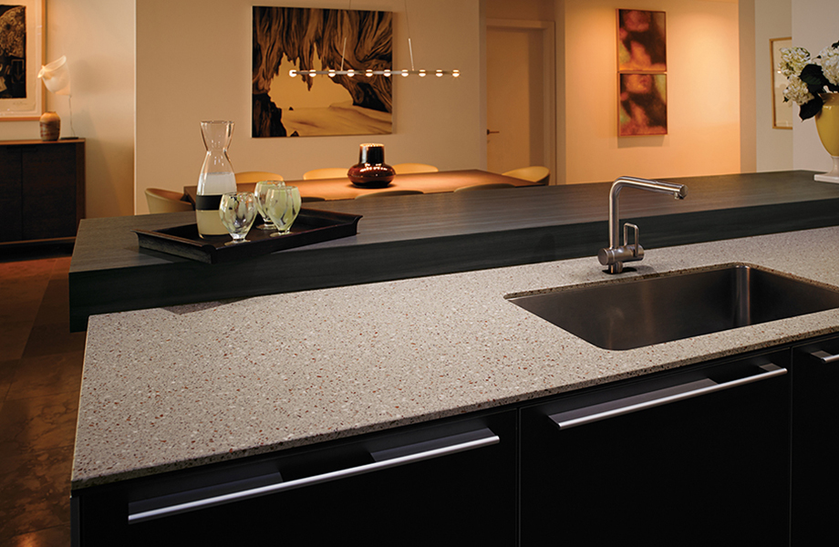 solid surface 9_5488_smokybrownpear_772_copperquartz-920x600