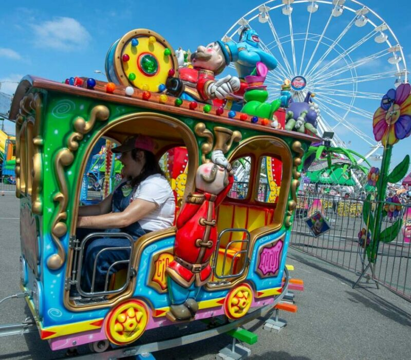Happy Circus Train on the Rcsfun Midway