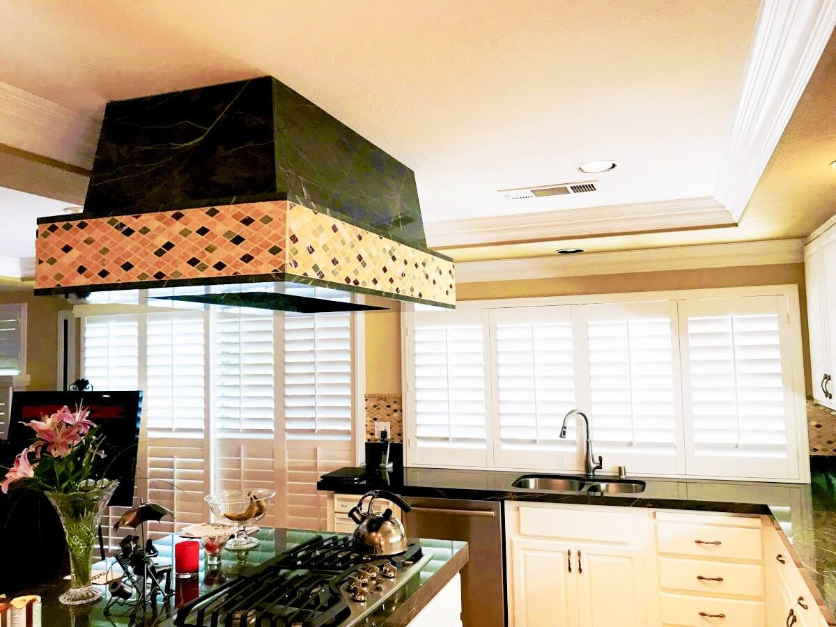 shutters kitchen with island hood - Home