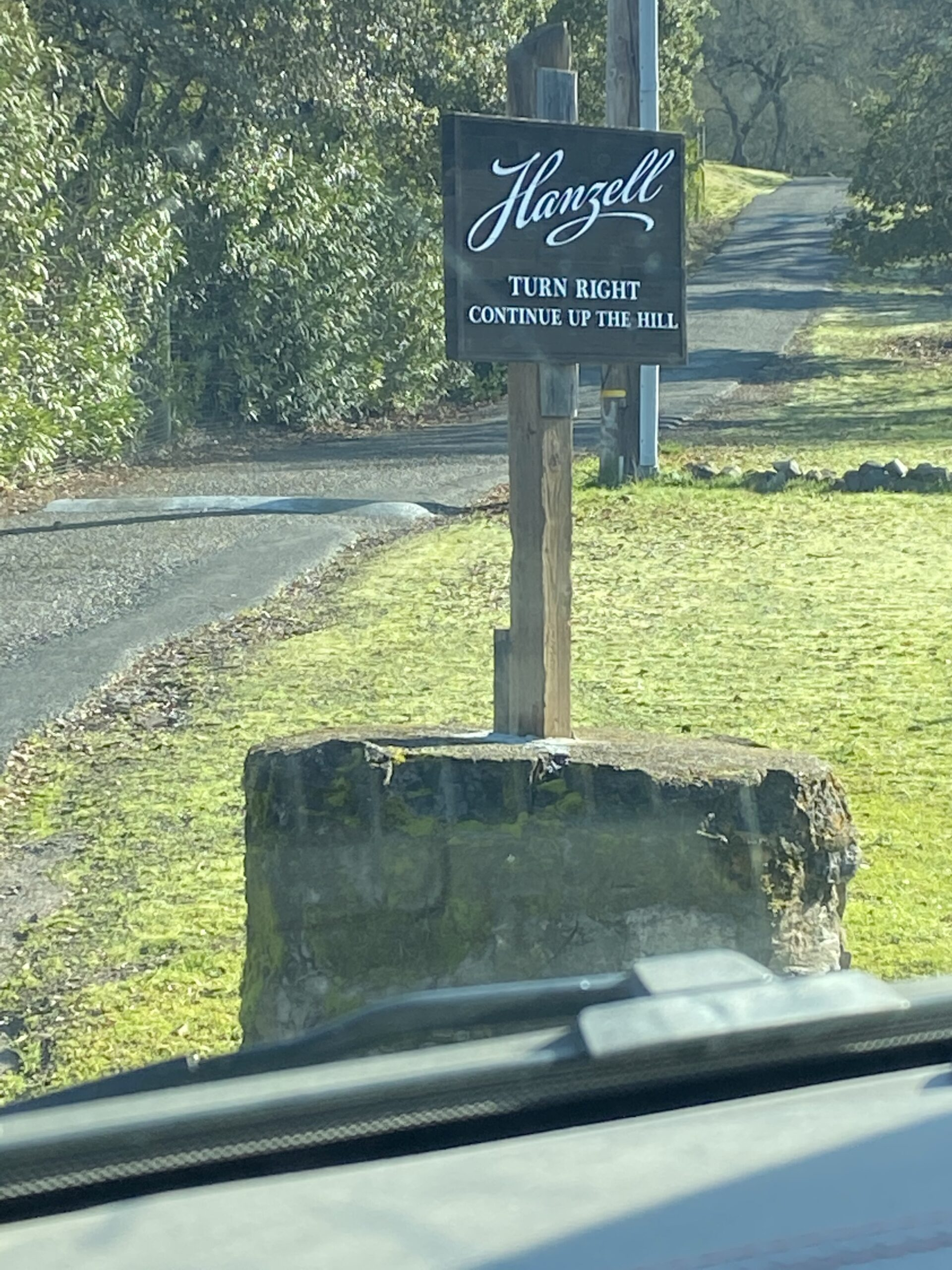 Hanzell-Road-Sign