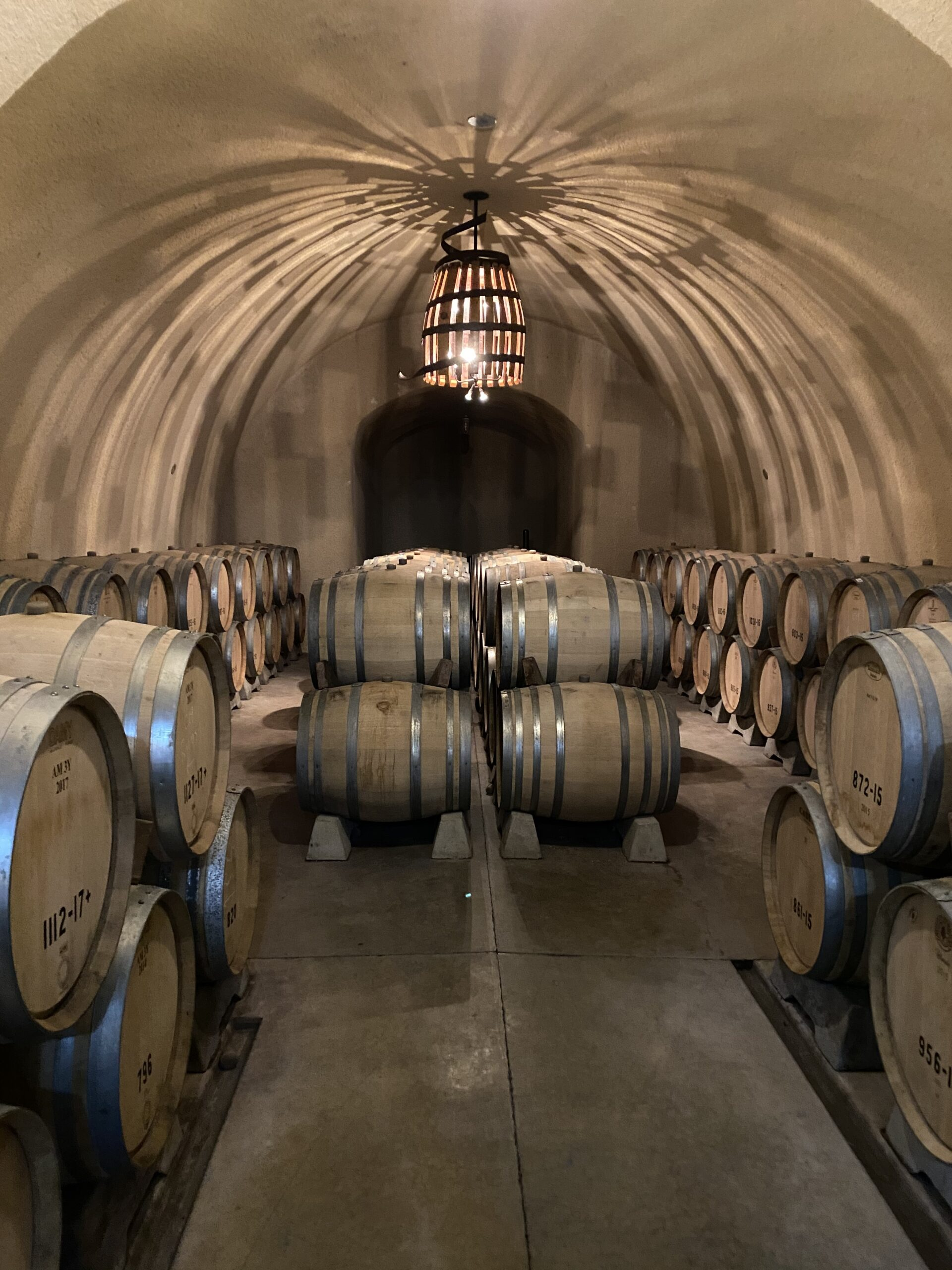 Hanzell-Wine-Cave-Dining