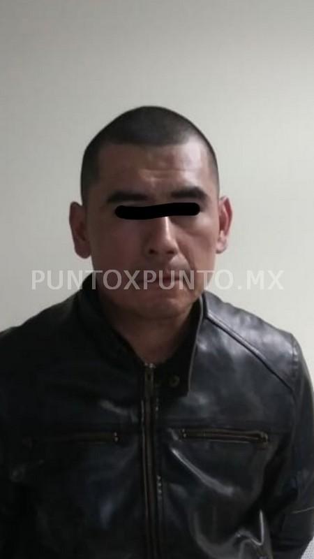 POR POSESIÓN DE DROGA LA POLICÍA DE LINARES LO DETIENEN Y CONSIGNA.