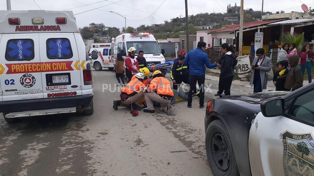 TRASLADAN CONDUCTOR DE CUATRIMOTO DELICADO TRAS PARTICIPAR EN ACCIDENTE EN MMORELOS.