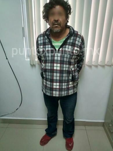 POLICIA LO DETIENE AL ENCONTRARLE DROGA EN BARRIO ZARAGOZA EN MMORELOS.
