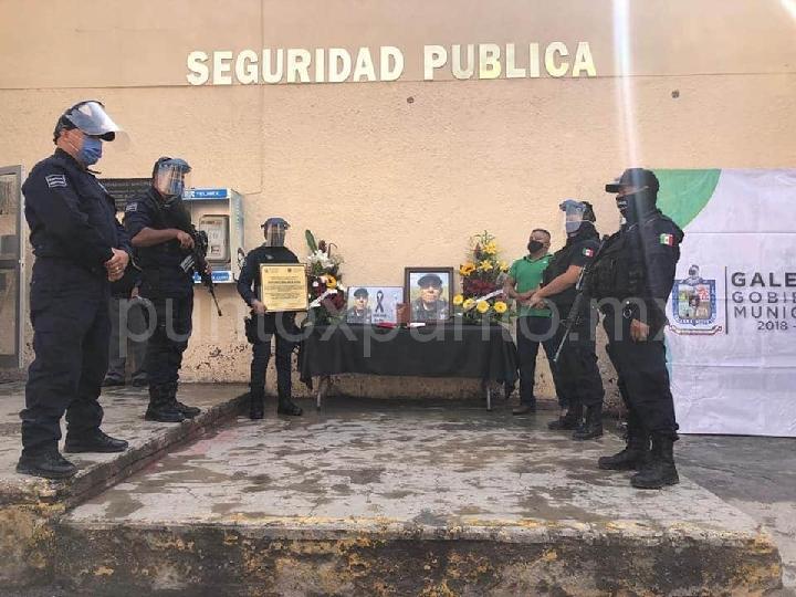 MUERE POLICIA DE GALEANA POR COVID-19 AUTORIDADES LE RINDEN HOMENAJE.