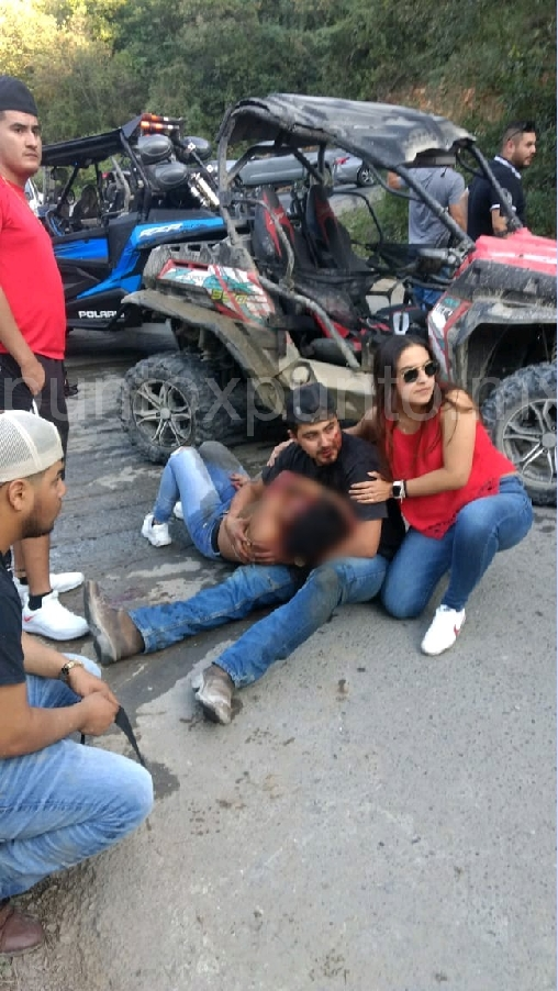 ACCIDENTE VIAL EN COLA DE CABALLO EN SANTIAGO, REPORTAN LESIONADOS.