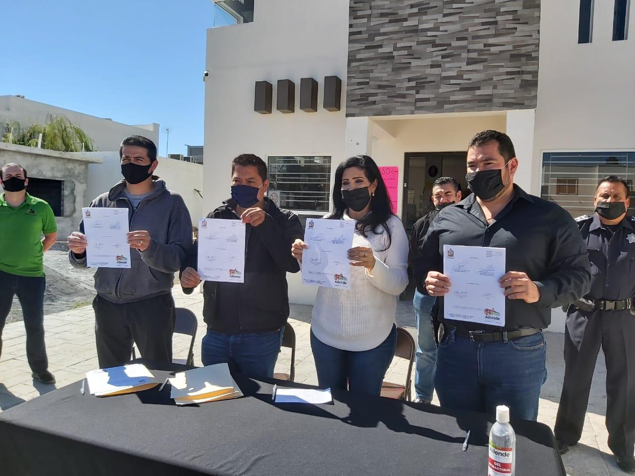 FIRMAN AUTORIDADES DE ALLENDE CONVENIO DE COLABORACION DE POLICIA DE BARRIO CON VECINOS DE LA COLONIA VISTA ALLENDE.
