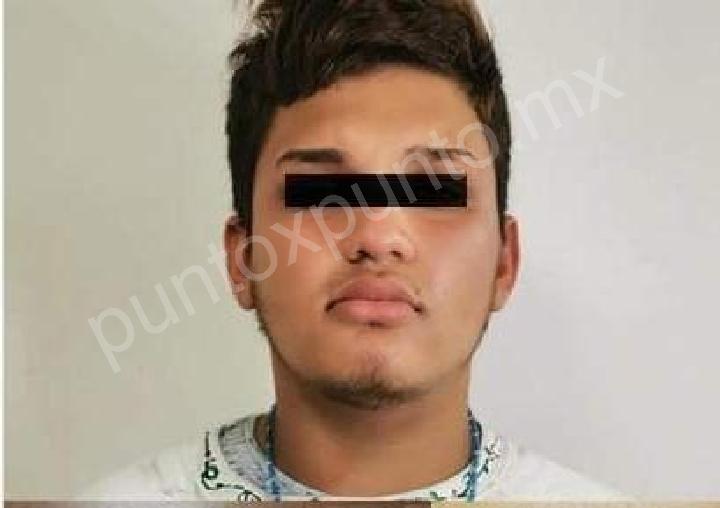 DETIENE LA POLICIA DE CADEREYTA A UN HOMBRE A QUIEN LE ENCONTRARON DROGA Y ARMA DE FUEGO.