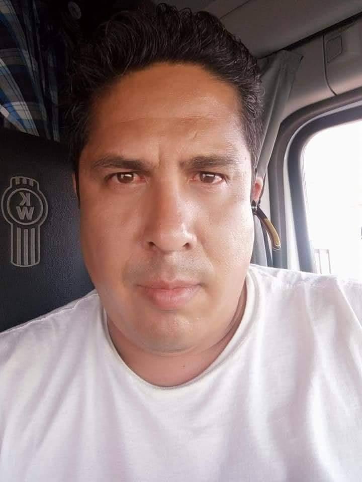 DESAPARECE TRAILER CARGADO DE ACEITE JUNTO CON SU CHOFER.