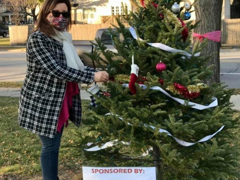 Christmas Tree in Park Celebrates Joy of Giving Back