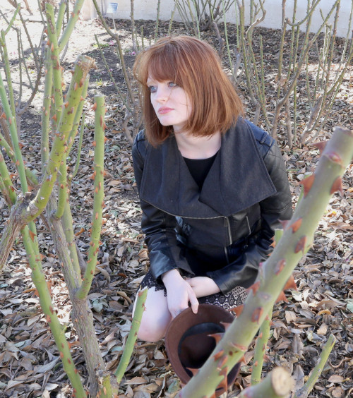 Surrounded by thorns, Allison Cripe lets it all out in the a roseless