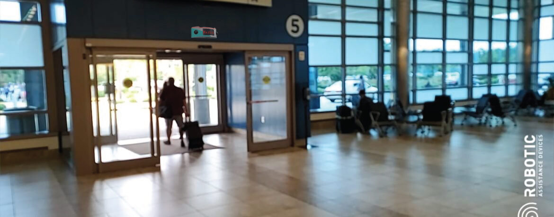 rosa-in-airport-terminal-1170x460
