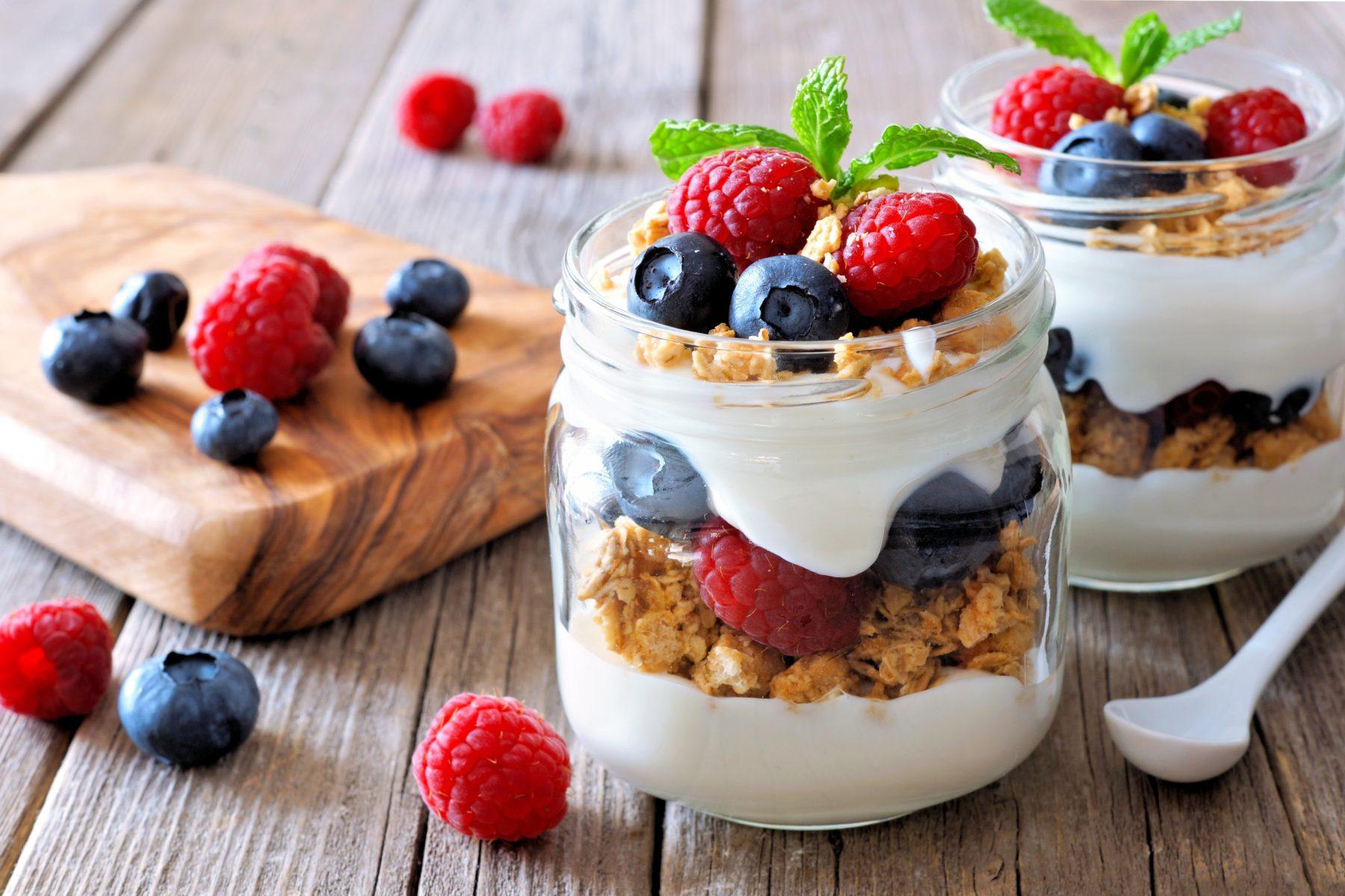 yogurt granola fruit parfait nutraphoria