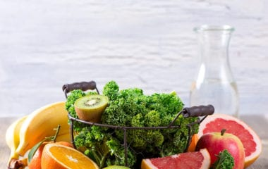 Kale Berry Salad Nutraphoria
