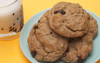 The Absolute BEST Healthy Chocolate Chip Cookies