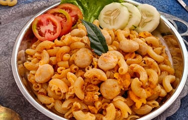 Vegan Red Curry Macaroni