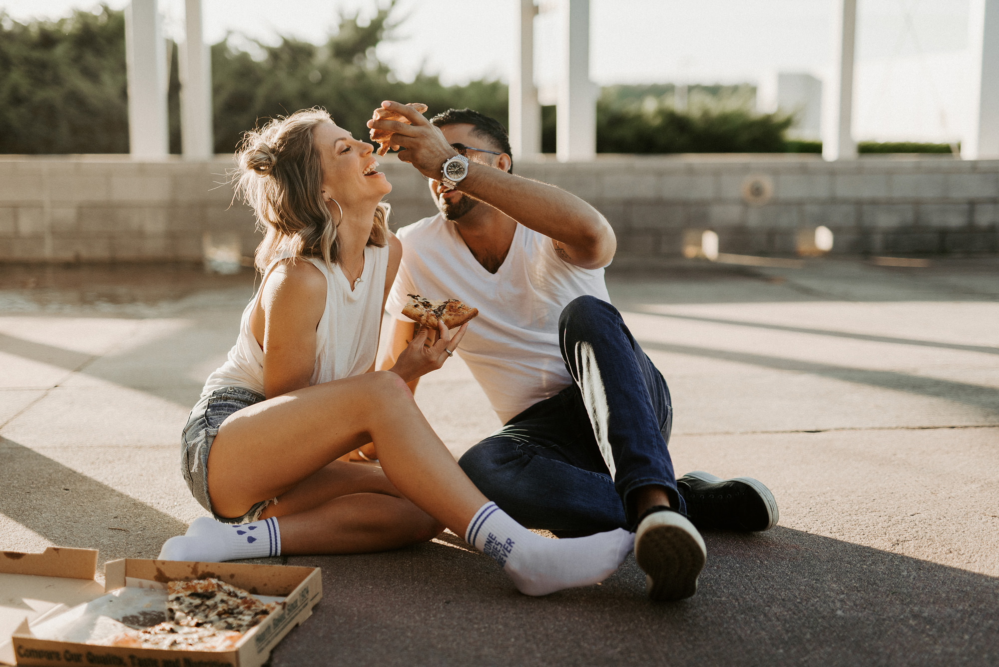 Engagement session with pizza