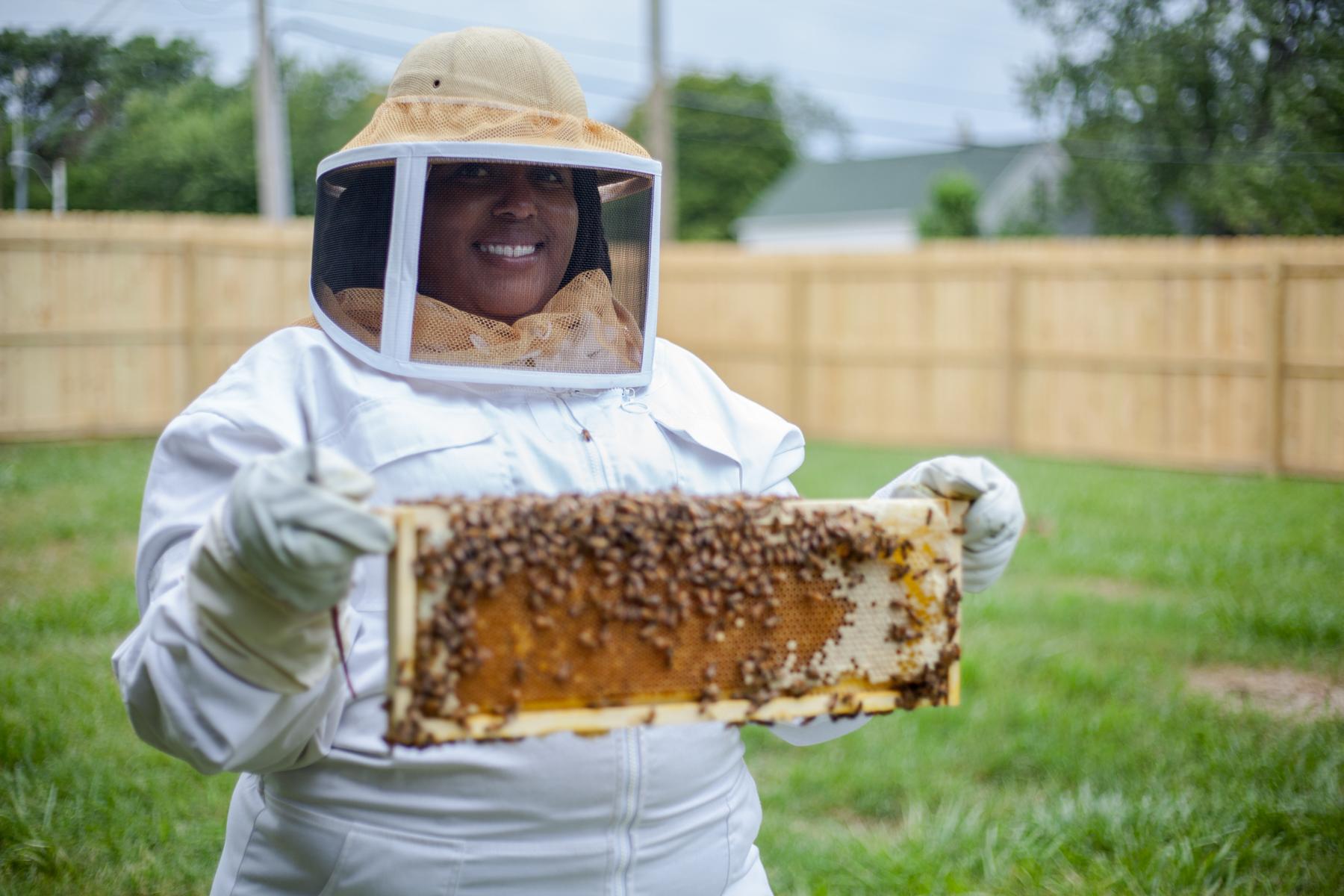 Episode 82: Timothy and Nicole the beekeepers