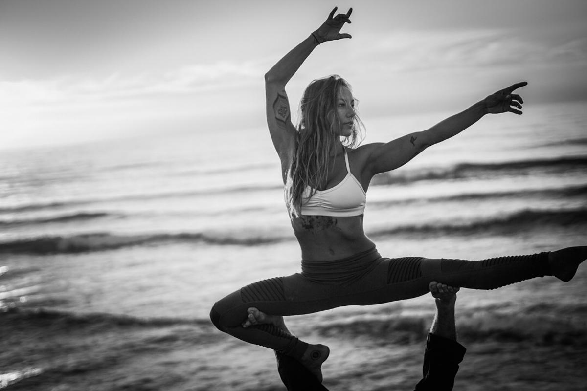 Episode 87: Hannah the acro yogi