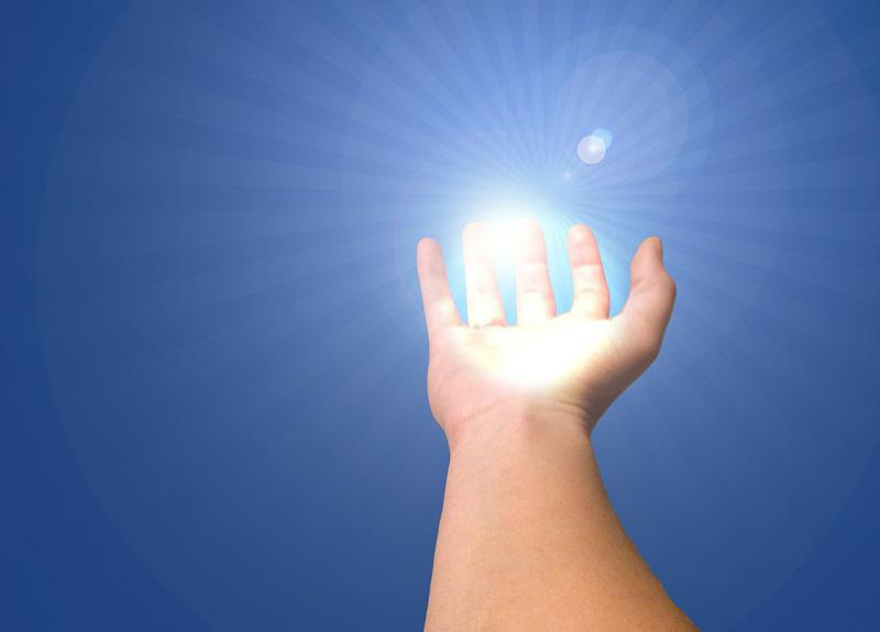 hand-god-light