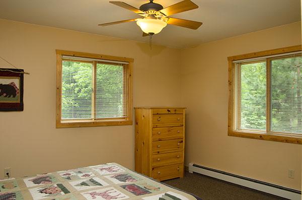 cabin-10-bedroom-1