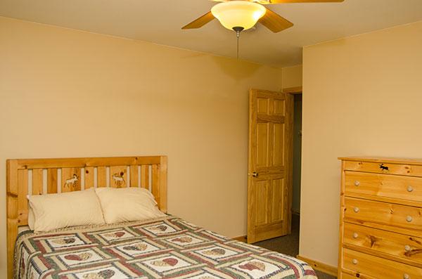 cabin-12-badroom-1