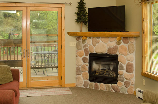 cabin-12-living-room-3