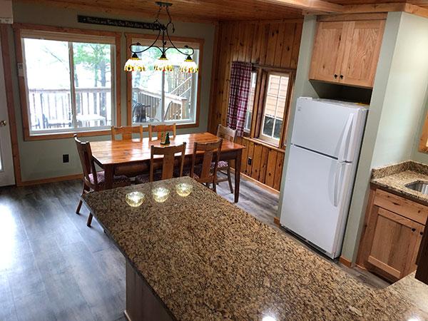 cabin-15-dining-room