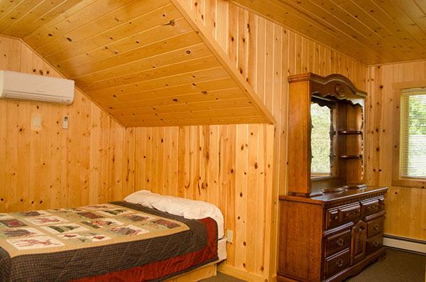 cabin-18-bedroom-3-1