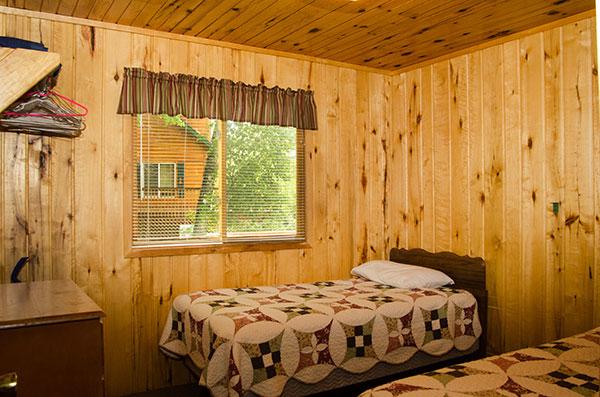 cabin-2-bedroom-2
