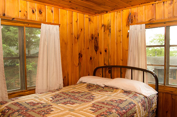 cabin-6-badroom-1