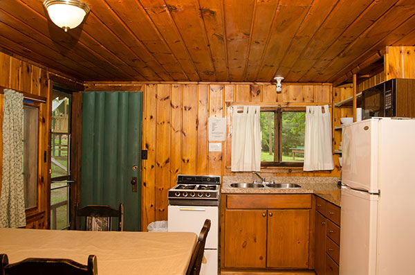 cabin-6-kitchen
