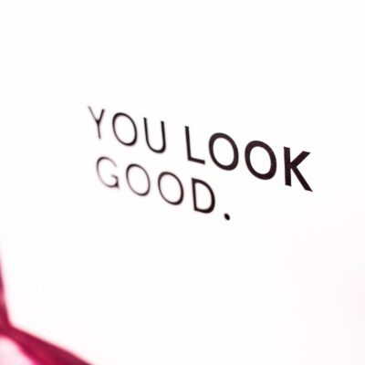 How To Accept A Compliment – Do's And Don'ts