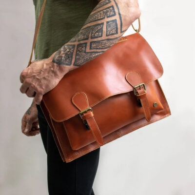 Head To Head Messenger Bag vs. Briefcase | Which One Is Best For You