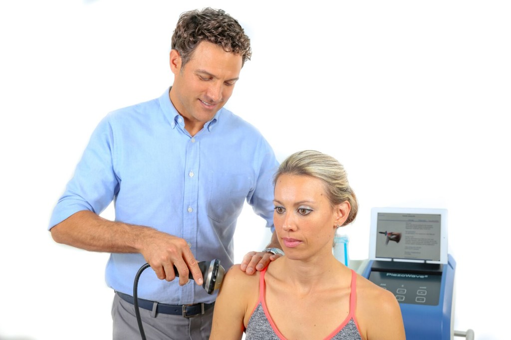 Piezowave ESWT being used to treat frozen shoulder