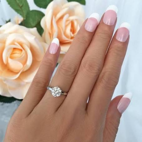 How to make your engagement ring look larger than life
