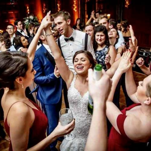 Ways to Ensure Your Wedding Guests Have an Awesome Time
