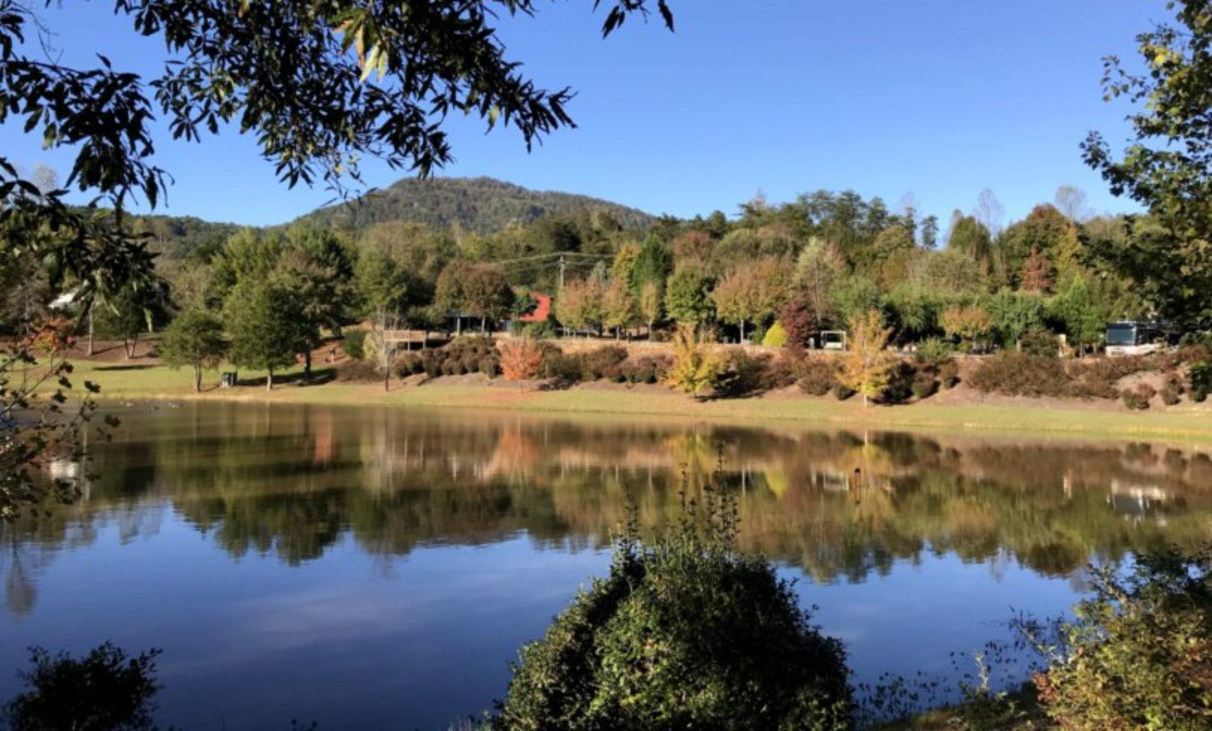 Apple Valley Farm Motorcoach Resort