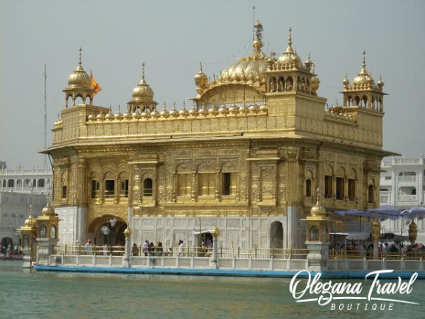 vacation destinations based on months of the year - Golden Temple, India